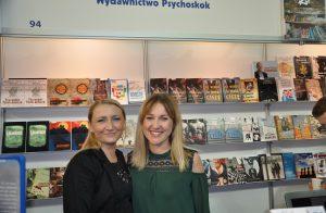 Od lewej: Wioletta Tomaszewska - redaktor Wydawnictwa Psychoskok z Alicją Masłowską-Burnos